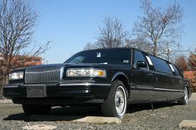 A többszemélyes Lincoln limuzin kiváló választás